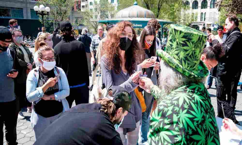 New York: reparten marihuana gratis a vacunados contra el Covid-19