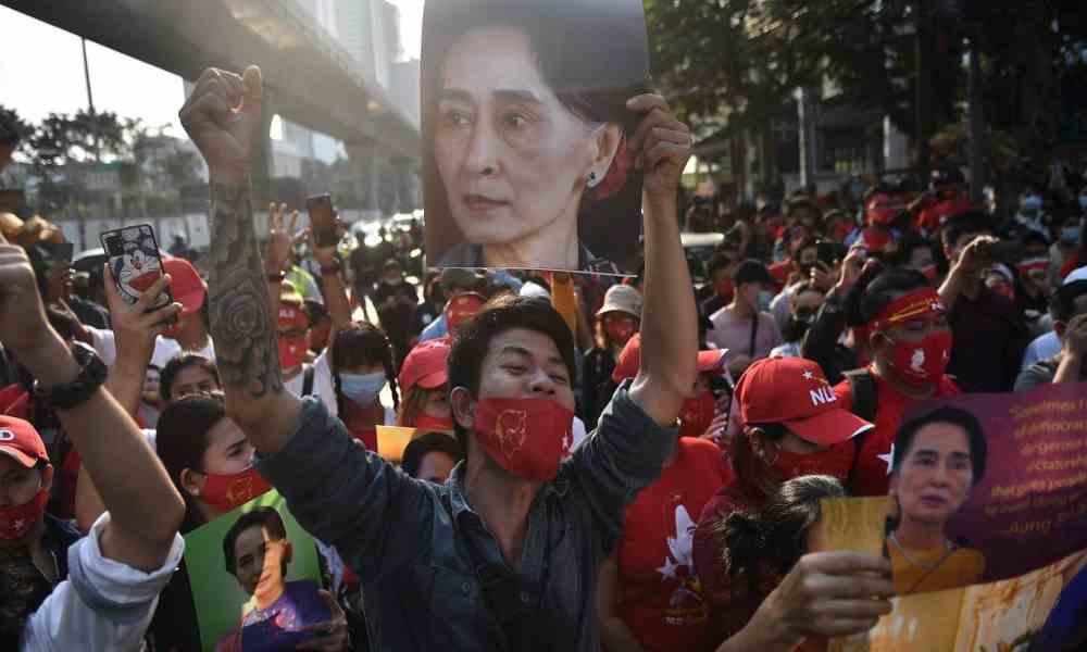 Cristianos ayudan a los ciudadanos de Birmania a resistir la persecución