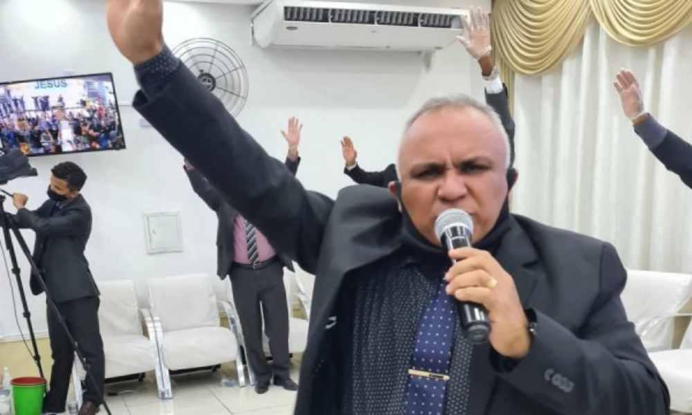Pastor queda en ridículo por anunciar falsa profecía