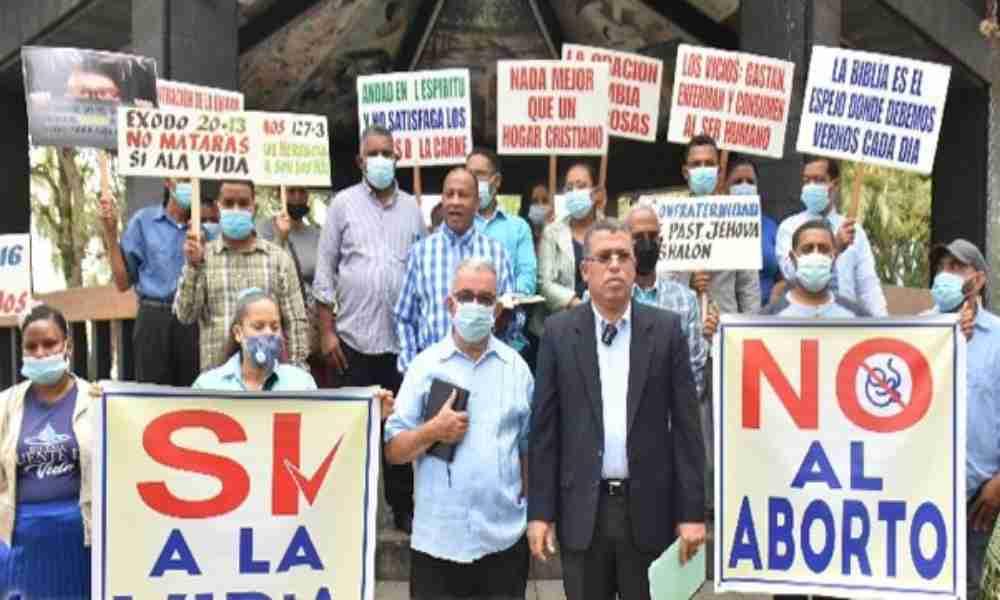 República Dominicana: pastores se manifiestan en contra del aborto y a favor de la vida