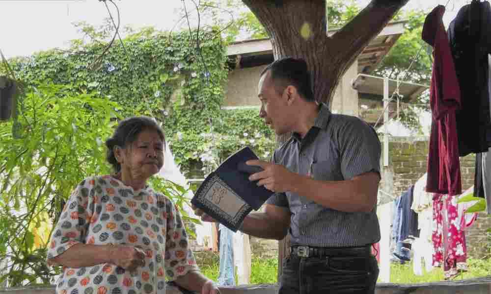 Wycliffe Associates inicia 30 traducciones de la Biblia en Indonesia