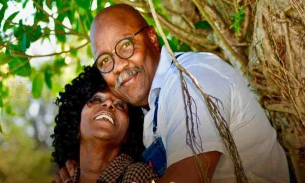 Esposa de Murrell le dedica un mensaje de aniversario de bodas al cantante