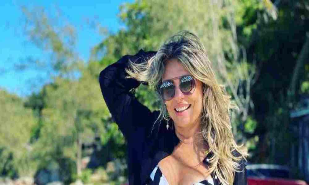 Cantante cristiana es criticada por publicar una foto suya en bikini