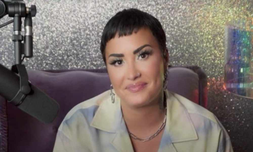 Demi Lovato quien se bautizó como cristiana se declara de género no binario