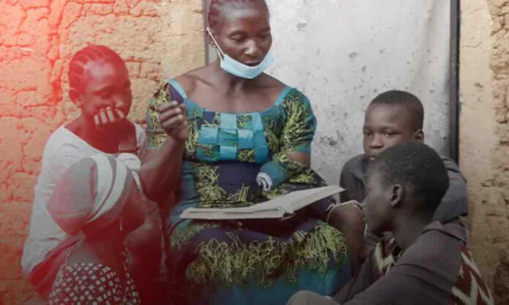 Día de las Madres: Mujeres enfrentan persecución por enseñar a sus hijos valores cristianos