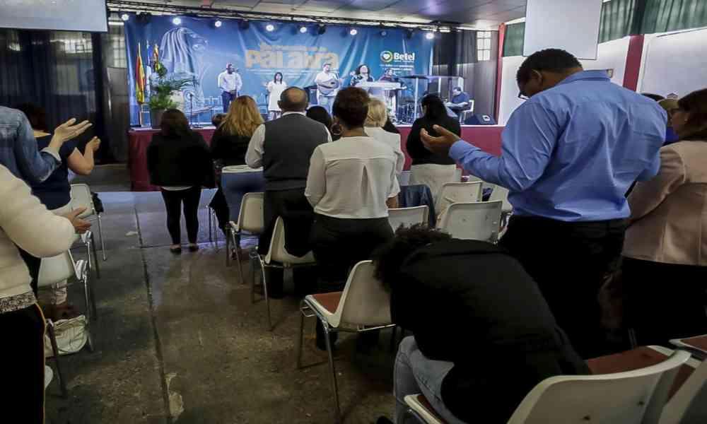 España: Evangélicos recurren a un tribunal para exigir derecho a cantar en el culto