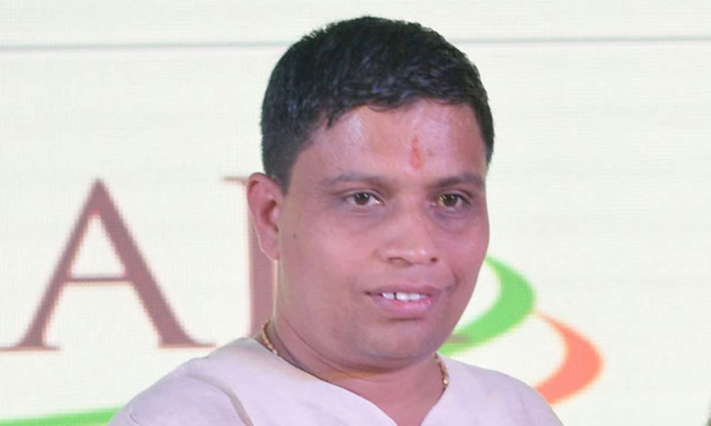 Gurú de India acusa a los cristianos de crear el Covid-19
