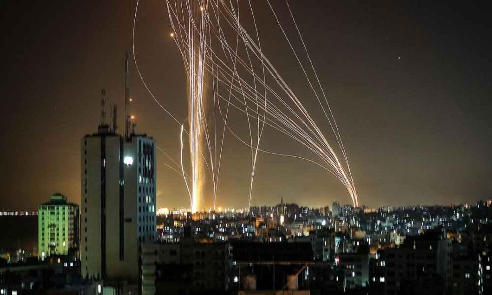 Impresionante foto del Domo de Hierro protegiendo a Israel de los cohetes palestinos