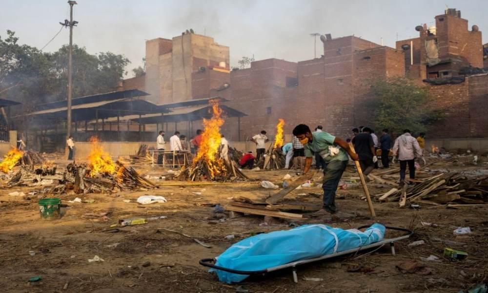 Informe registra 3.000 muertes diarias por Covid-19 en India