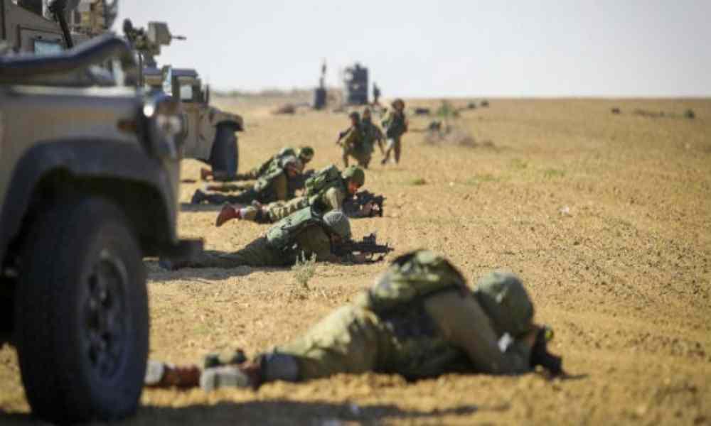 Israel mueve sus tropas a la frontera de Gaza tras 1.500 cohetes disparados en su contra