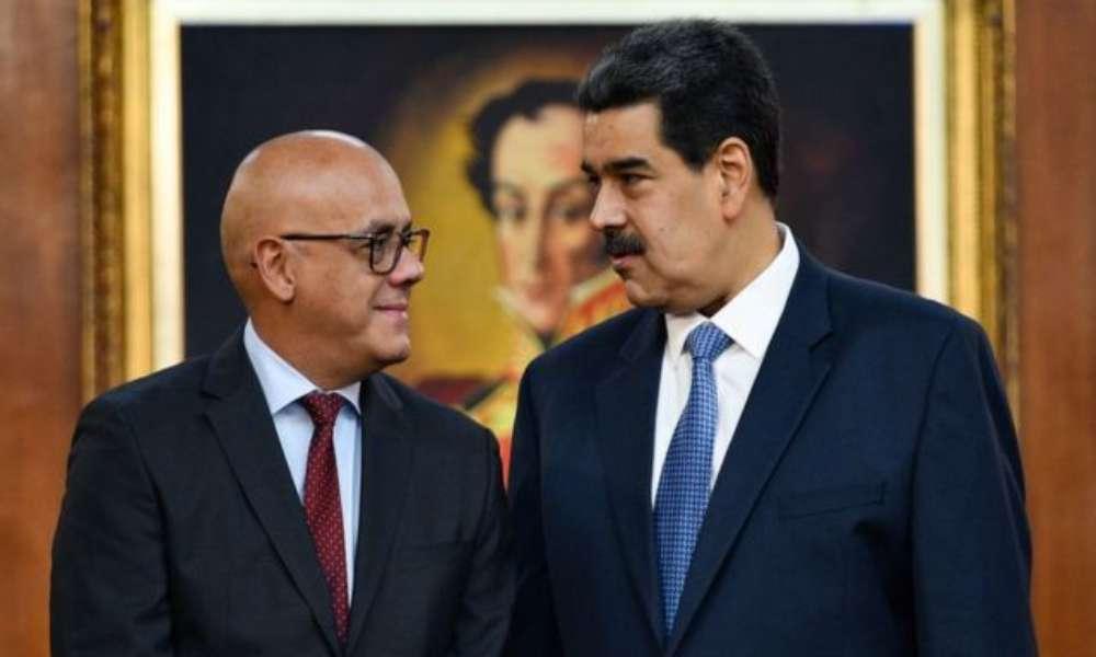 Jorge Rodríguez denuncia un supuesto plan para bombardear una iglesia evangélica