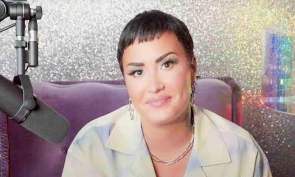 """Michael Brown: """"Demi Lovato con todo respeto, no eres un binario"""""""