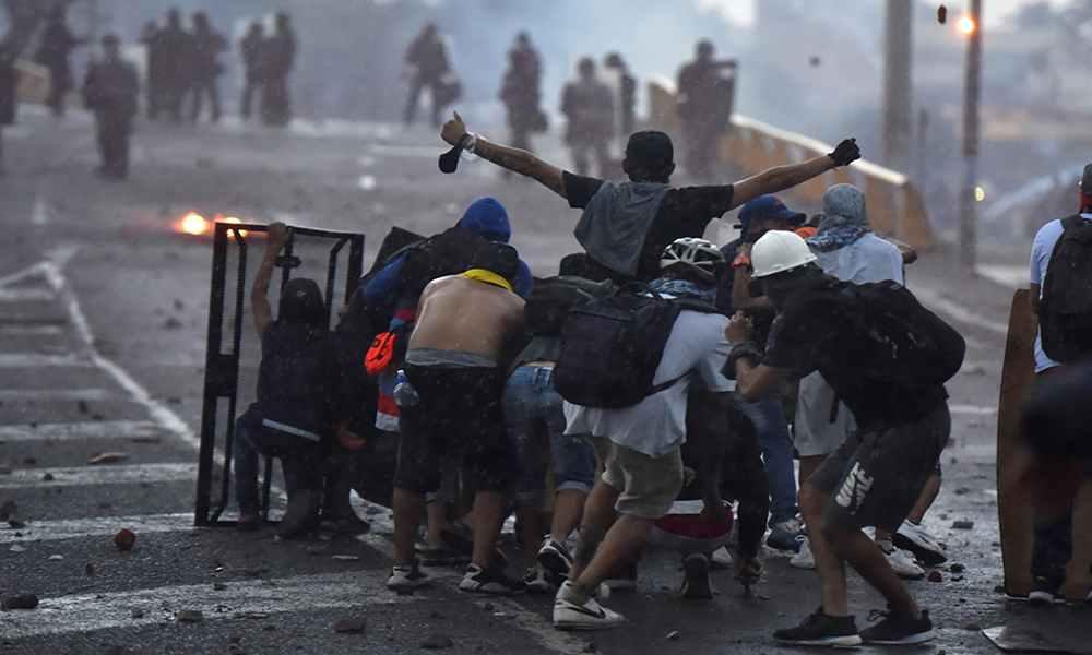 """""""Nos están matando"""": al menos 19 muertos y 800 heridos dejan protestas en Colombia"""