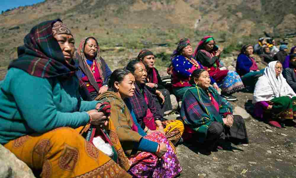 Pareja de Nepal que conoció a Dios tras un milagro enfrenta persecución