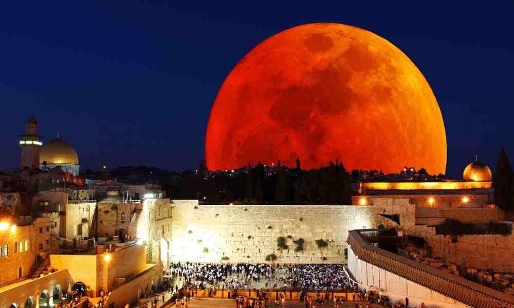"""Pastor: """"La Luna de Sangre y otras señales indican el regreso de Jesús"""""""