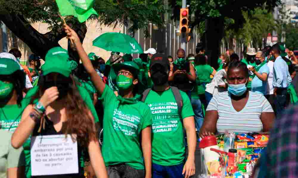 Realizan marchas para legalizar el aborto en Dominicana