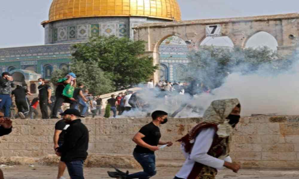 Se mantiene tregua en Gaza; judíos se refugian en sitio sagrado en Jerusalén