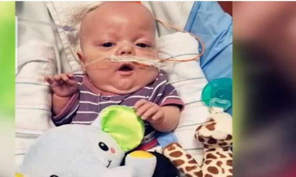 Bebé declarado muerto vuelve a la vida de manera milagrosa