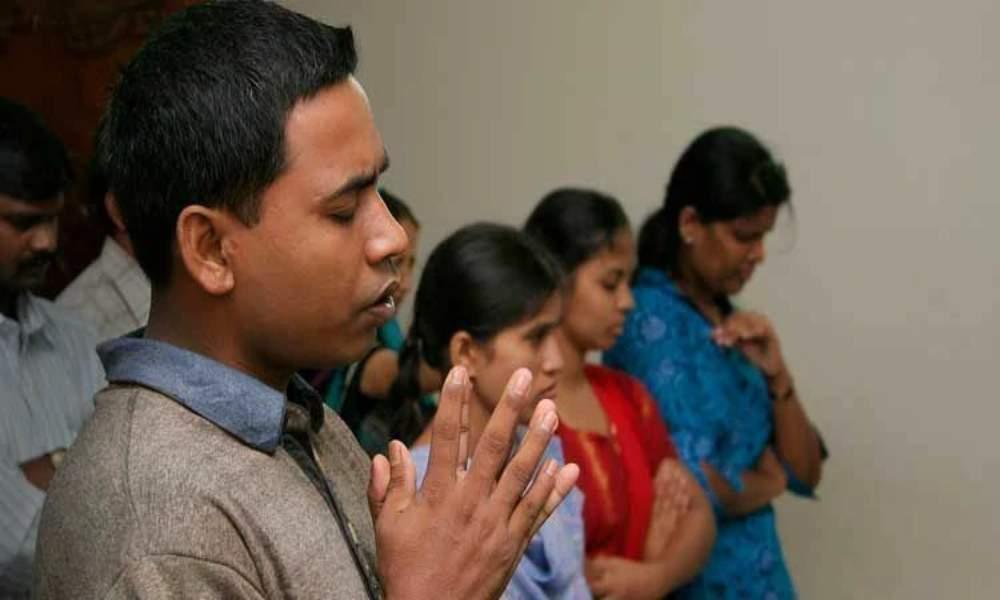 Familias cristianas exmusulmanas fueron confinadas y obligadas a renunciar a Jesús