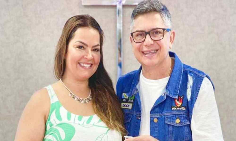 Insólito: Pastora le busca segunda esposa a su marido quien también es pastor
