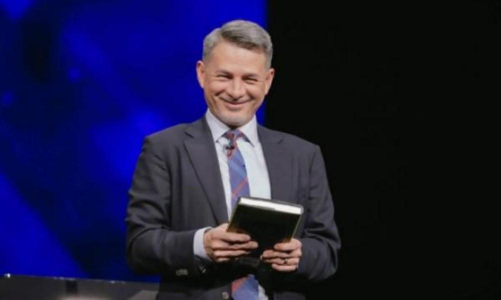 Llaman mercenarios a Cash Luna y a pastores que darán una conferencia cristiana