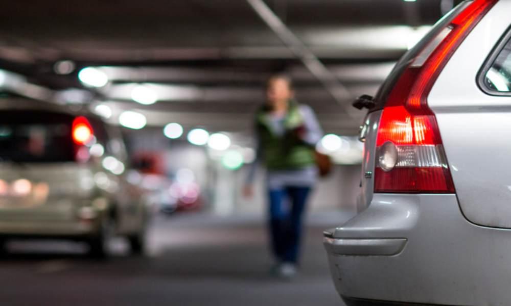 Providas compran estacionamiento cerca de una clínica abortiva para evitar que mujeres aborten