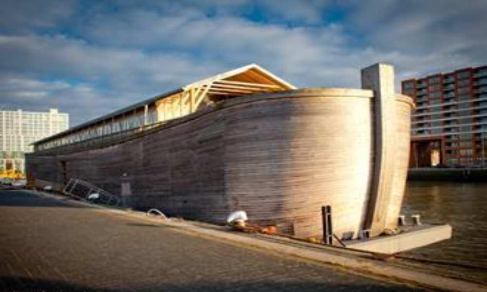 Réplica del arca de Noé ha sido retenida porque no es apta para navegar