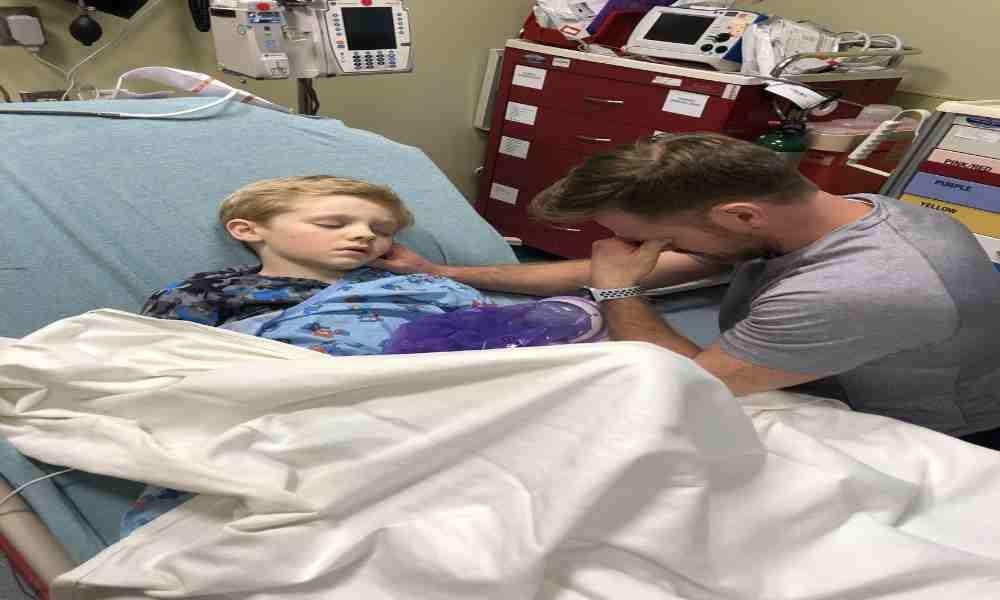 Cristiano ora por paciente sin signos vitales y vuelve a la vida