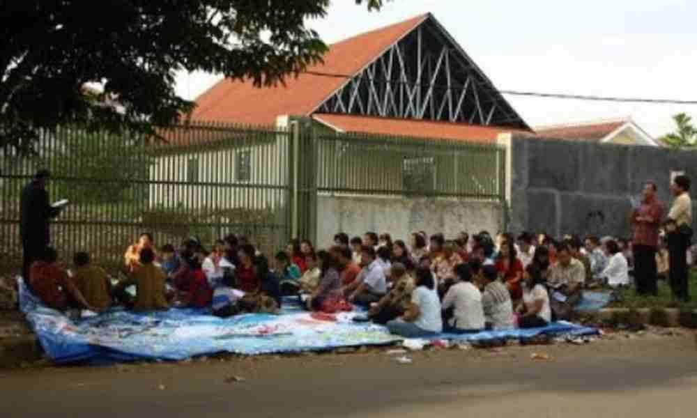 Iglesia construirá su templo tras 15 años adorando a Dios en las calles