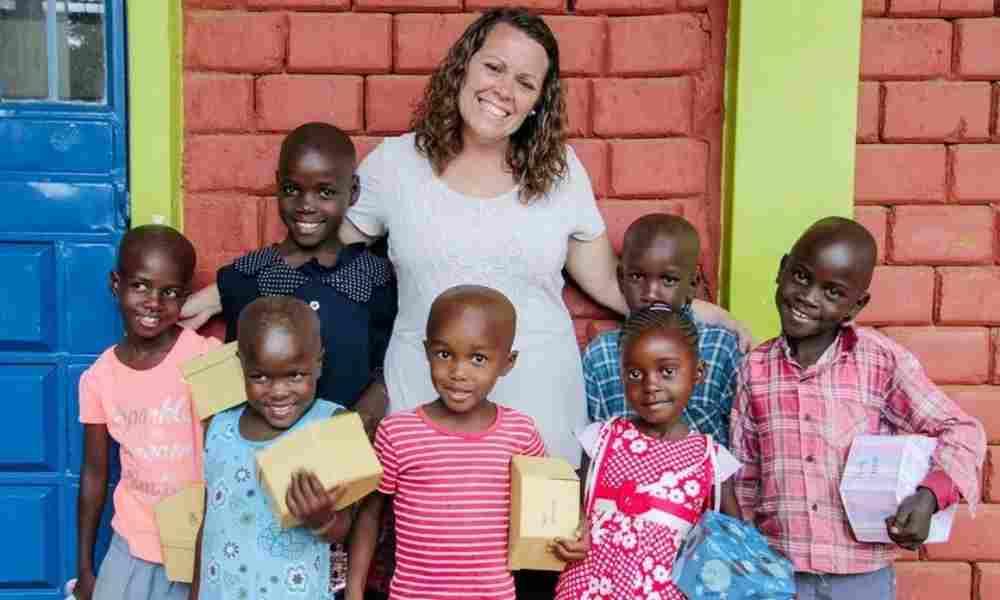 Joven crea una ONG para rescatar a los niños de la explotación sexual