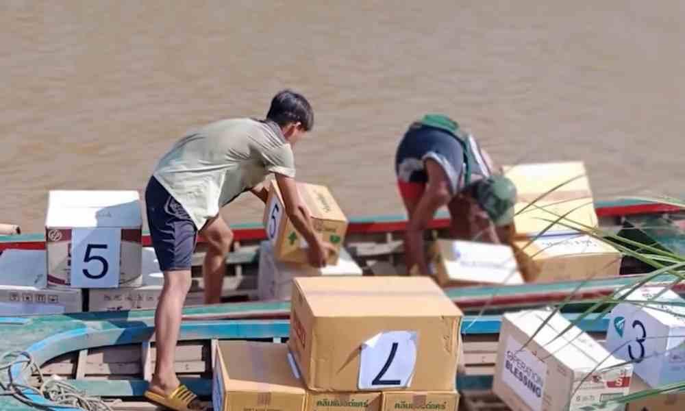 ONG cristiana lleva suministros a refugiados en Myanmar