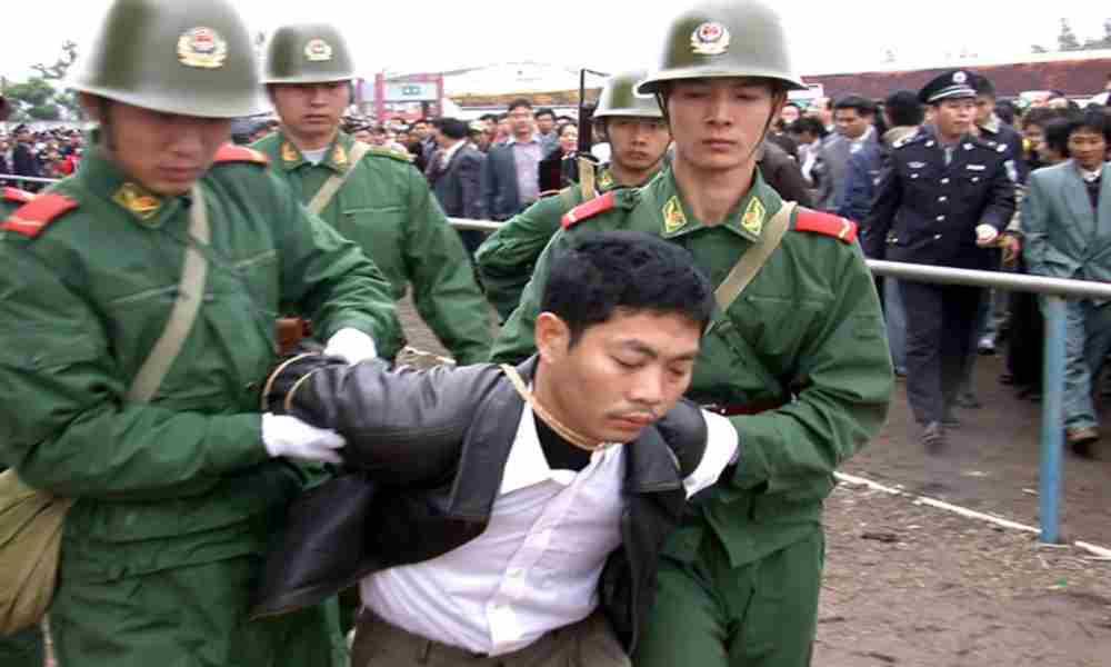 Pastor es brutalmente golpeado por la policía comunista de China
