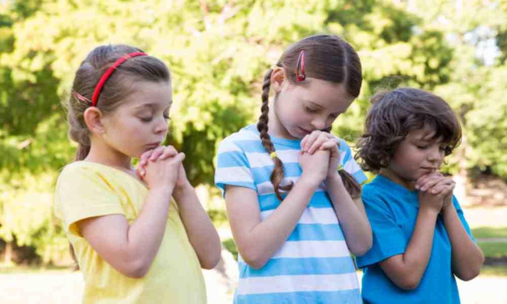 Proyecto de ley permitirá que niños puedan orar en escuelas