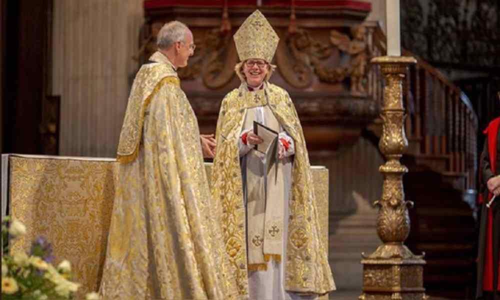 Critican la lujosa vida que llevan los obispos de Inglaterra