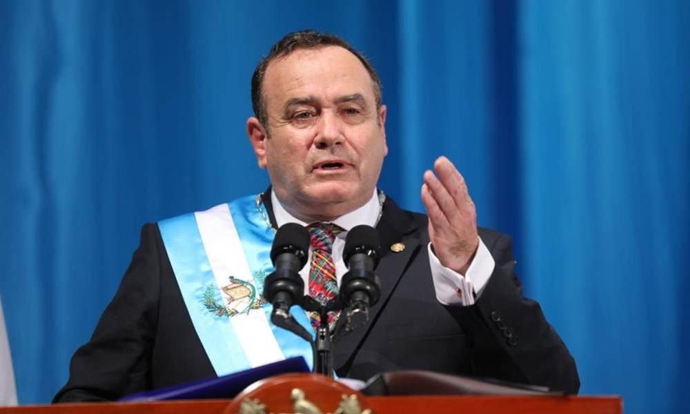El presidente de Guatemala apoya ley de protección a la vida y a la familia