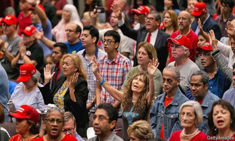 Encuesta: Muchas iglesias vieron aumento en asistencia tras cambiarse a Internet