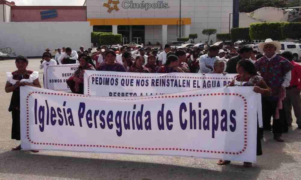 Liberan a pastor mexicano perseguido por cristianos católicos