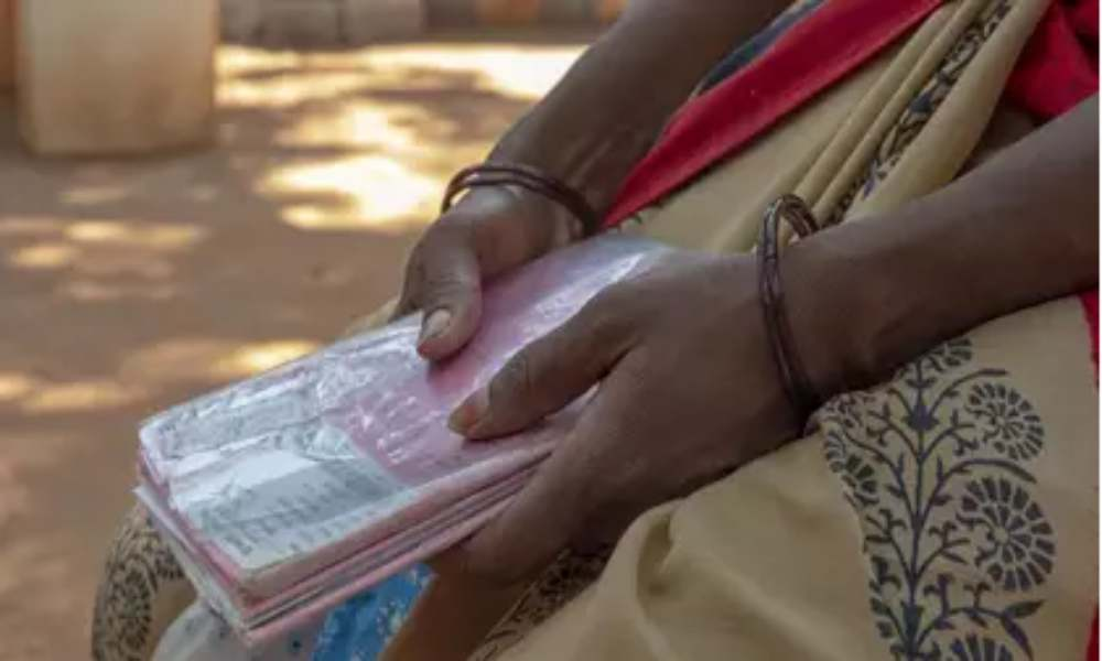 Mujer sigue evangelizando pese a enfrentar acoso en su aldea