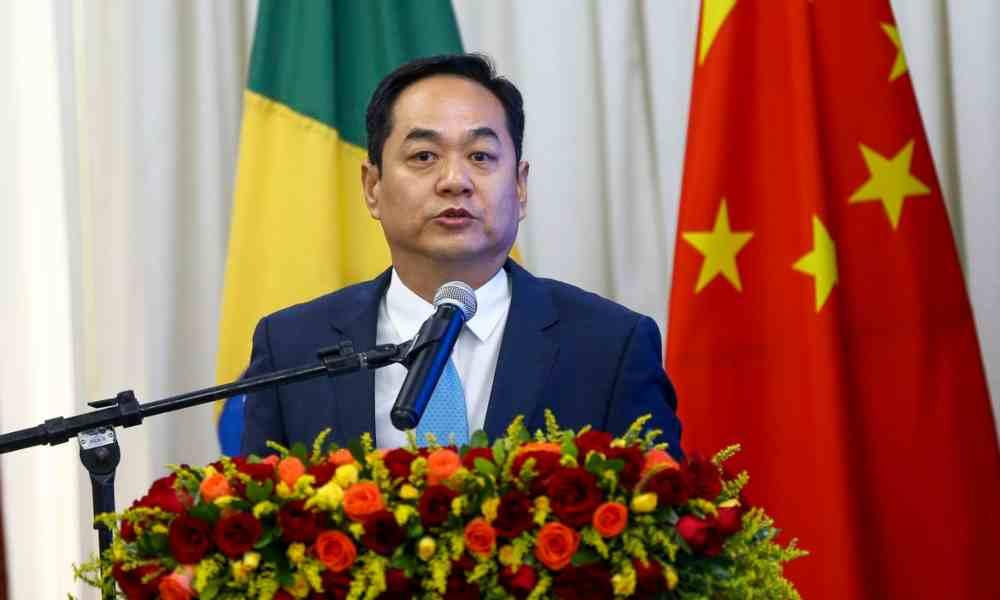 """""""¿Quién es Dios? El pueblo es Dios"""", dice embajador de China"""