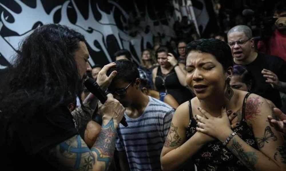 Un templo de Brasil combina el evangelio con el Heavy metal