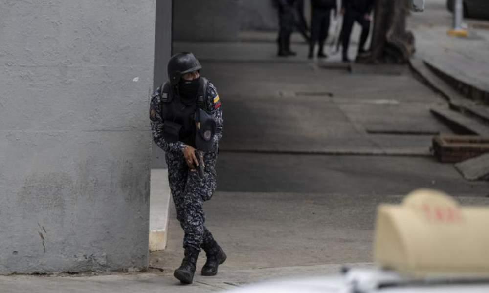Venezuela: Bandas criminales incontrolables disparan por horas en Caracas