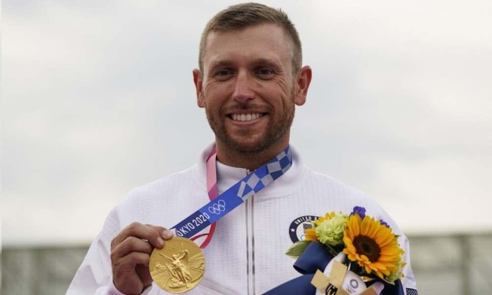 Atleta glorifica a Dios al ganar su tercer oro olímpico