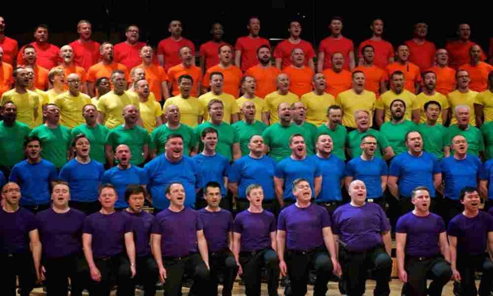 """Coro de hombres gay amenaza a padres: """"Vamos a corromper a sus hijos"""""""
