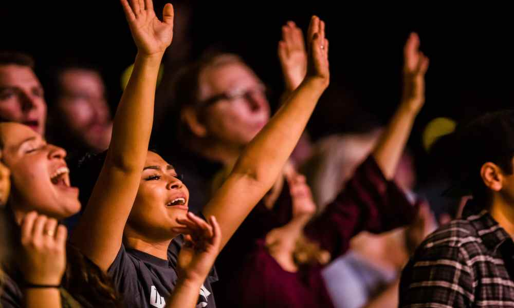 ¿Es la adoración en las iglesias más pagana que cristiana?