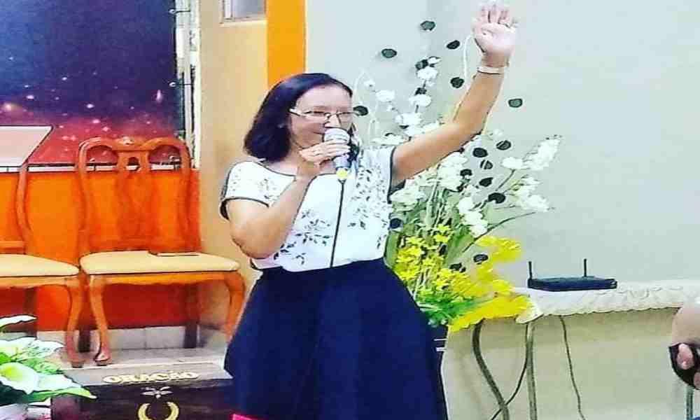 Ex satanista y ex lesbiana se convierte en predicadora del Evangelio