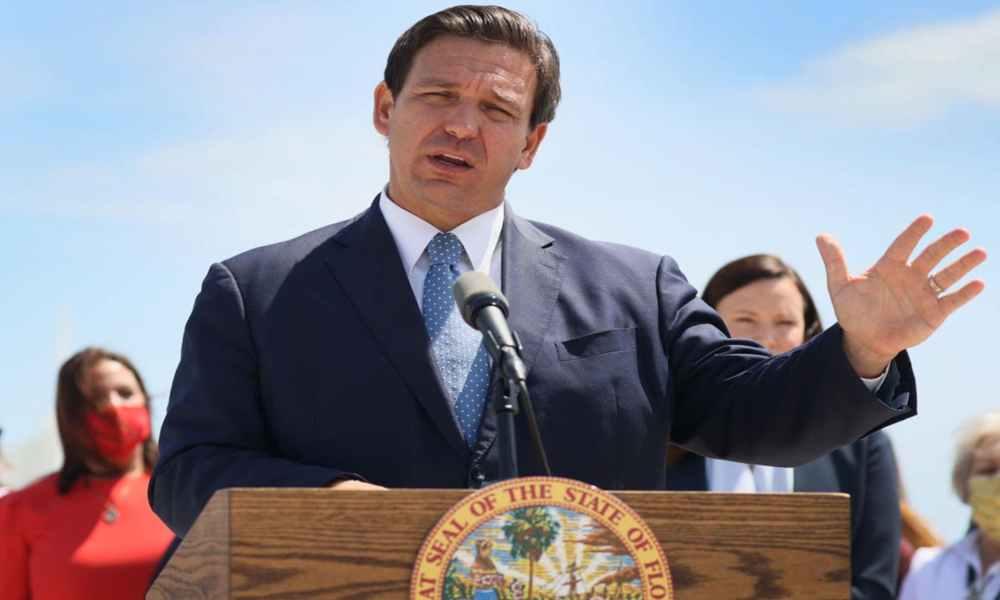 """Gobernador de Florida: """"Defiende lo que es correcto, ponte la armadura completa de Dios"""""""