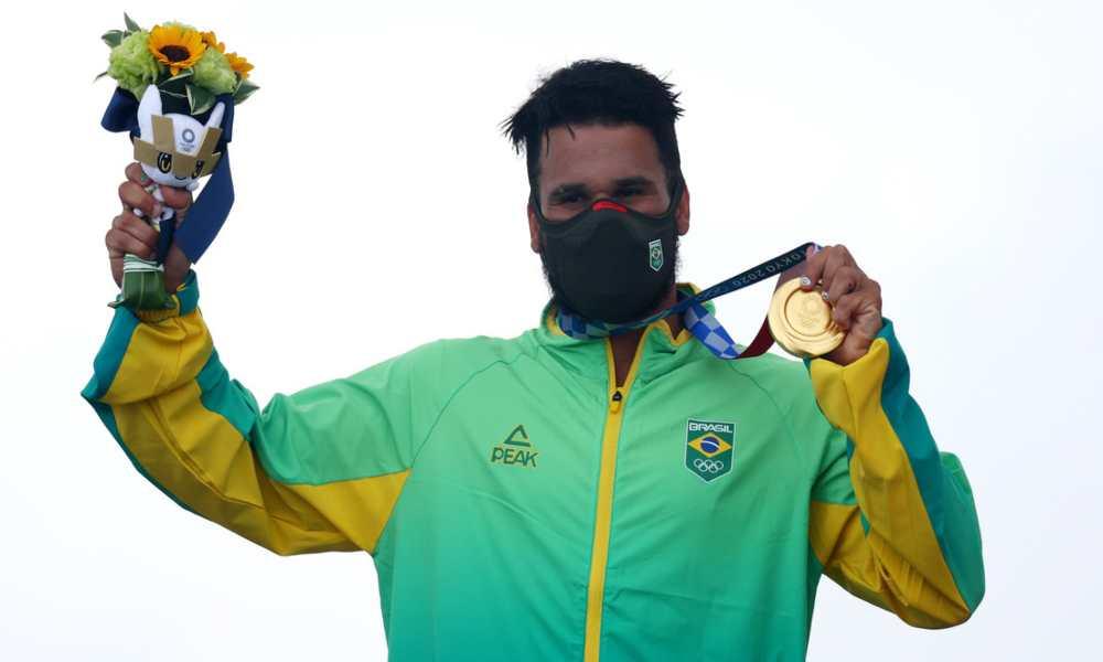 'Gracias mi Dios, gloria a ti', dice atleta brasileño tras ganar medalla de oro
