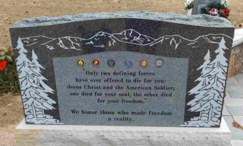 Grupos exigen eliminación de monumento en honor a veteranos y Jesús