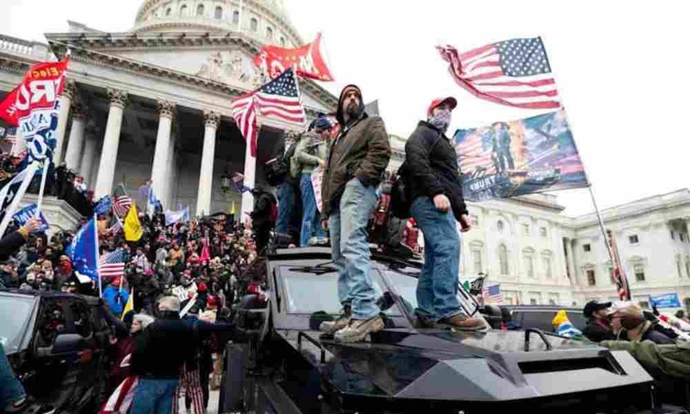 Hombre sentenciado a 8 meses de prisión por los disturbios en el Capitolio