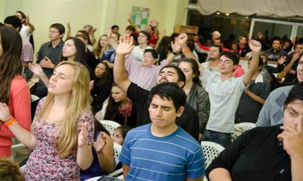 Transforman un club de stripers en una iglesia bautista